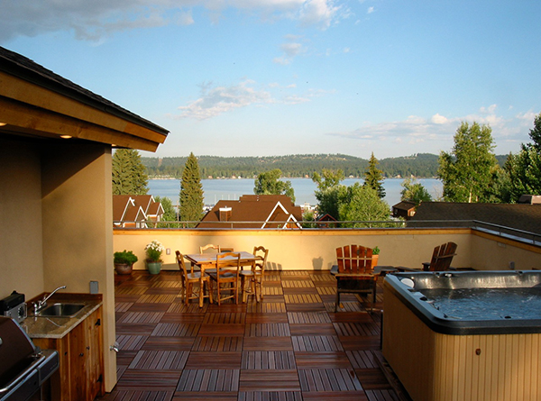 Outside Balcony Overlooking Lake